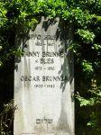 Grabstein für Philip (Filippo), Fanny und Oscar Brunner