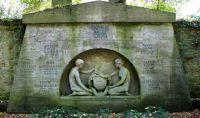 Grabstein für Familie Adolf Gans