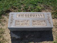 Grabstein William und Mabel P. Biedermann