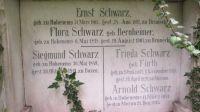 Grabstein von Ernst Schwarz, Flora Schwarz, Siegmund Schwarz, Frieda Schwarz und Arnold Schwarz in Bozen
