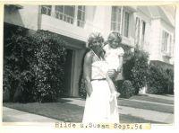 Hilda Hertz, mit Tochter Susan,  San Francisco, September 1954