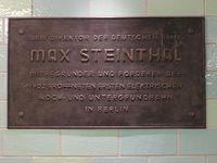 Gedenktafel für Max Steinthal im U-Bahnhof Alexanderplatz, Berlin