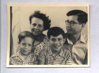 Peter Loewy, Regina Loewy, Ronny Loewy und Ernst Loewy, um 1955