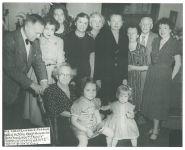 Familie Kahn-Maximilian,  Eugenie Maximilian-Kahns 90. Geburtstag, 1948