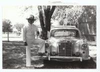 Harry Weil jr. und sein Mercedes