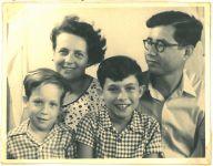 Regina, Ronny, Ernst und Peter Loewy, um 1956