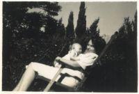 Regina und Ronny Loewy als Baby, 1946