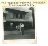 Richard, Erna, Ronny und Peter Loewy (von rechts nach links), Tel Aviv, Arlosoroff Str. 9