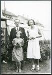 Samuel Spindler, seine Tochter Emilie (rechts) und ein unbekanntes Kind